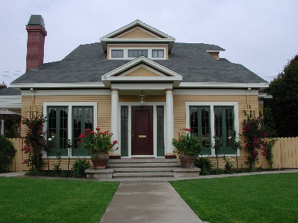 1920 Colonial Bungalow With New Colors