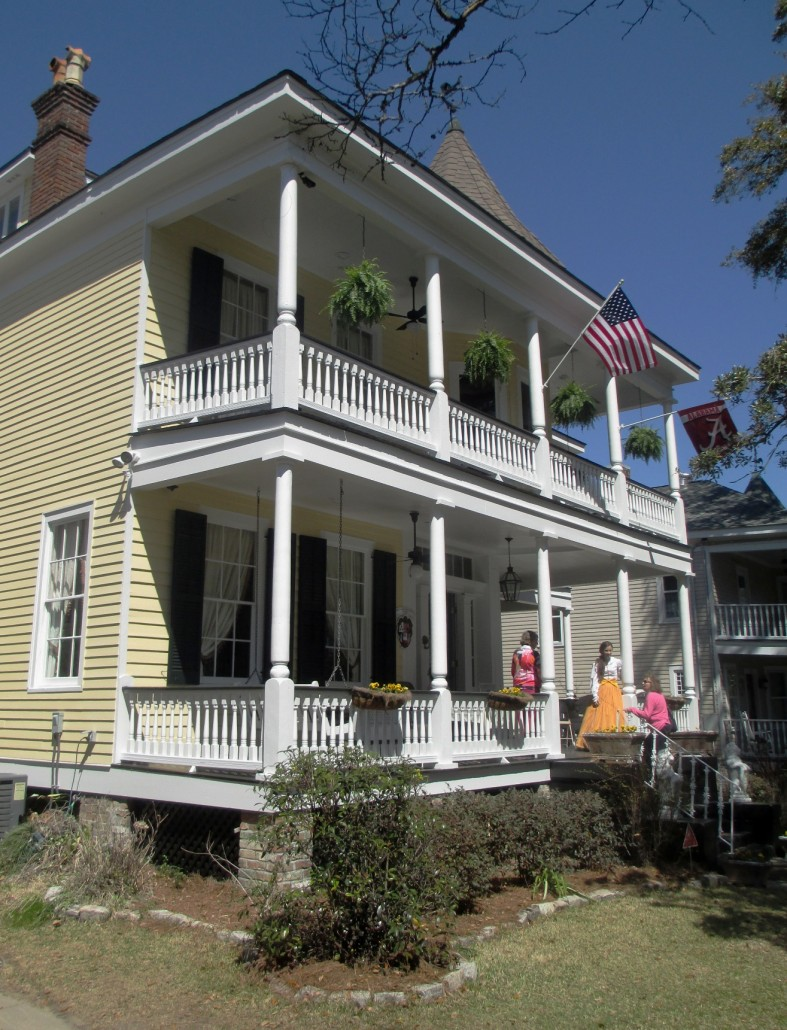 Mobile alabama home tour 2014 historic house colors for Home builders in mobile al