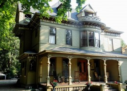 Victorian colors in Oswego, NY
